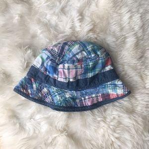 Baby gap reversible hat, size M/L